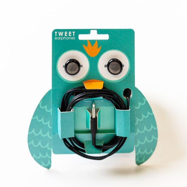 Na mednarodnem tekmovanju BOX MANUFACTURING OLYMPICS so študenti grafike sodelovali z 12 izdelki, med njimi pa jih je kar šest prejelo nagrade! Na tekmovanju je v kategoriji študentskih izdelkov zmagal in pridobil kar dve zlati medalji izdelek Roberta Rusa, z naslovom Tweet earphone packaging.  Vsem sodelujočim iskereno čestitamo!  ⭐ 1. nagrada – zlata medalja za najboljši študentski izdelek: ROBERT RUS ⭐ 1. nagrada- zlata medalja: ŠPELA LUKMAN ⭐ 1. nagrada – zlata medalja: ROBERT RUS ⭐ 2. nagrada – srebrna medalja: NUŠA GLAVIČ, IVANA KORON ⭐ 2. nagrada – srebrna medalja: LARA MRHAR, MAJA ČERNE ⭐ 3. nagrada – bronasta medalja: NIKA PEROVNIK  #grafika #embalaža #otgo #ntf @ulntf