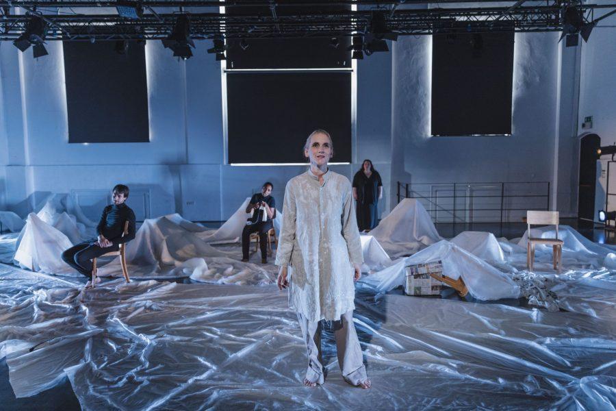 Opera Deklica z vžigalicami, foto: Darja Štravs Tisu